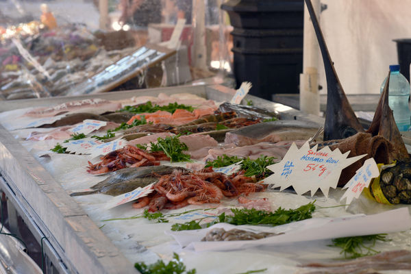 Fischstand am Markt Saleya in Nizza